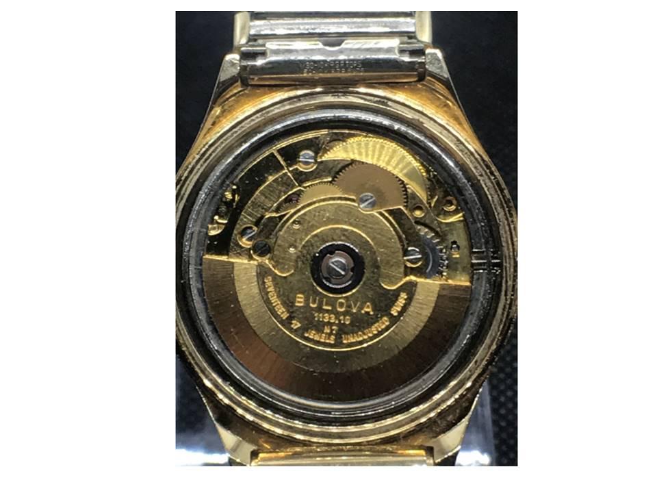 [Set-o-matic_movement year-1977] Bulova watch