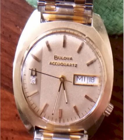 Bulova Accuquartz-1976-face