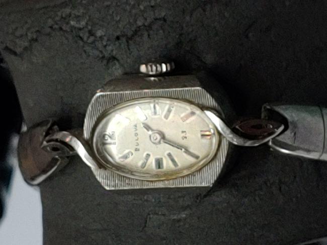 Unknown ladies 14k Bulova watch